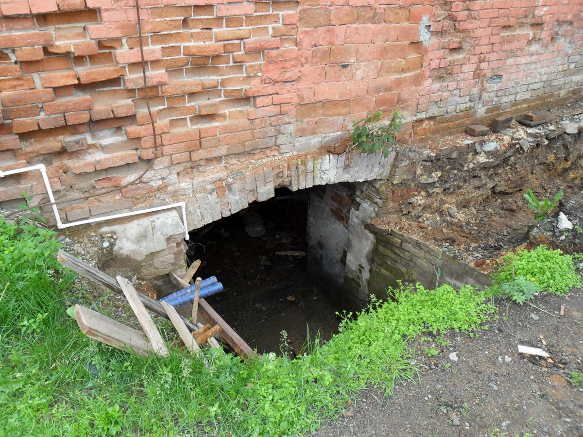 вход в подвал д.Мелентьева.JPG